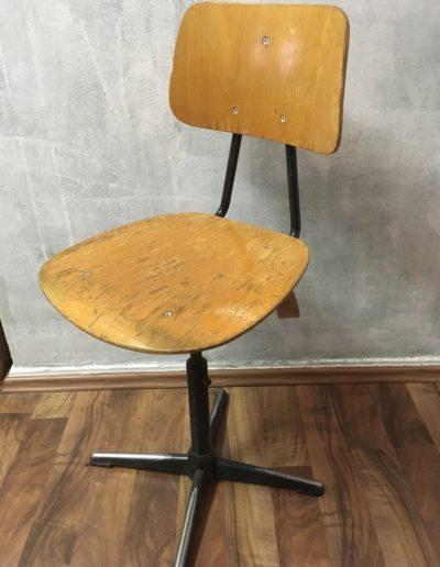 Einfacher Werkstattdrehstuhl