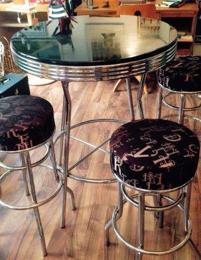 50s Diner Bartable mit Stühlen