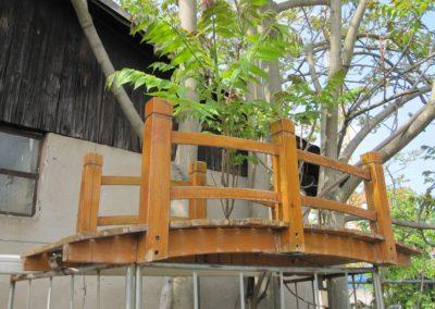 Holzbrücke für den Gartenteich