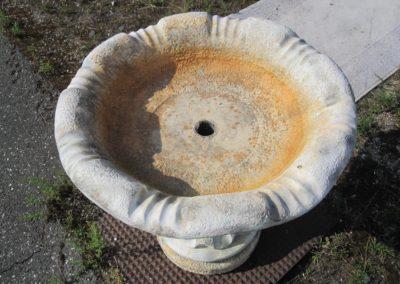 Brunnenbecken ohne Pumpe